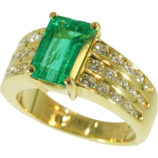 Kutchinsky Emerald and Diamond Gold Ring c.1986