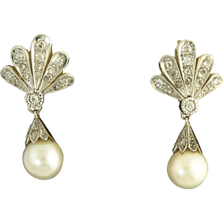 Classy Cultured Pearl and Old-Cut Diamond Pendant Earrings in 18k Yellow and White Gold circa 1930s