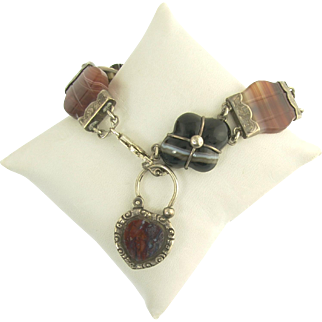 Wonderful Victorian Scottish Agate Bracelet with Heart Clasp in Sterling Silver