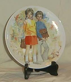 "Limoges Collector Plate ""Emilie et Philippe"" Bradex No. 18.52-1.1"