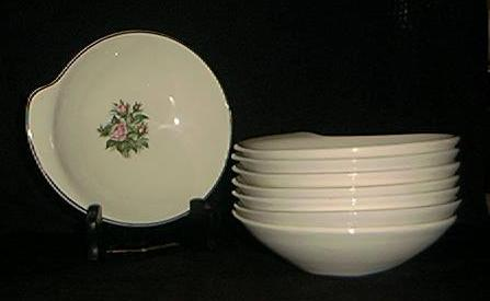 Set Of Eight Cereal Bowls In The Minerve Rose Pattern