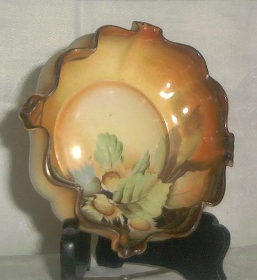 """Nippon"" Ruffle Edge Thistle Decorated Bowl"