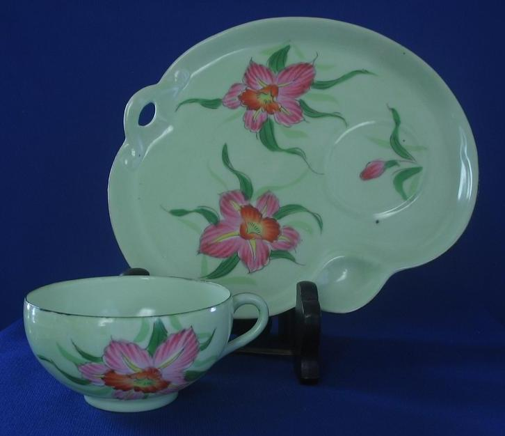 Porcelain Snack Set With Flower Decoration