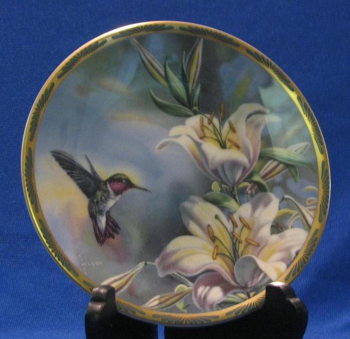 "Pickard Collector Plate ""Ruby-throated Hummingbird And Lilies"""