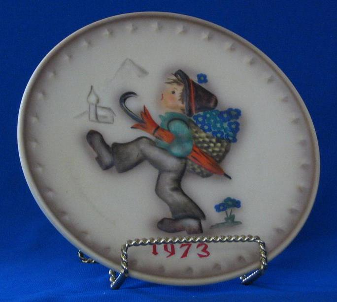 1973 Goebel Annual Hummel Christmas Plate