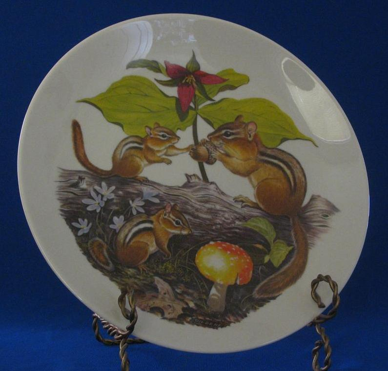 "Halbert's Inc. ""Chipmunks And Trilliums"" Mothers Day Plate"