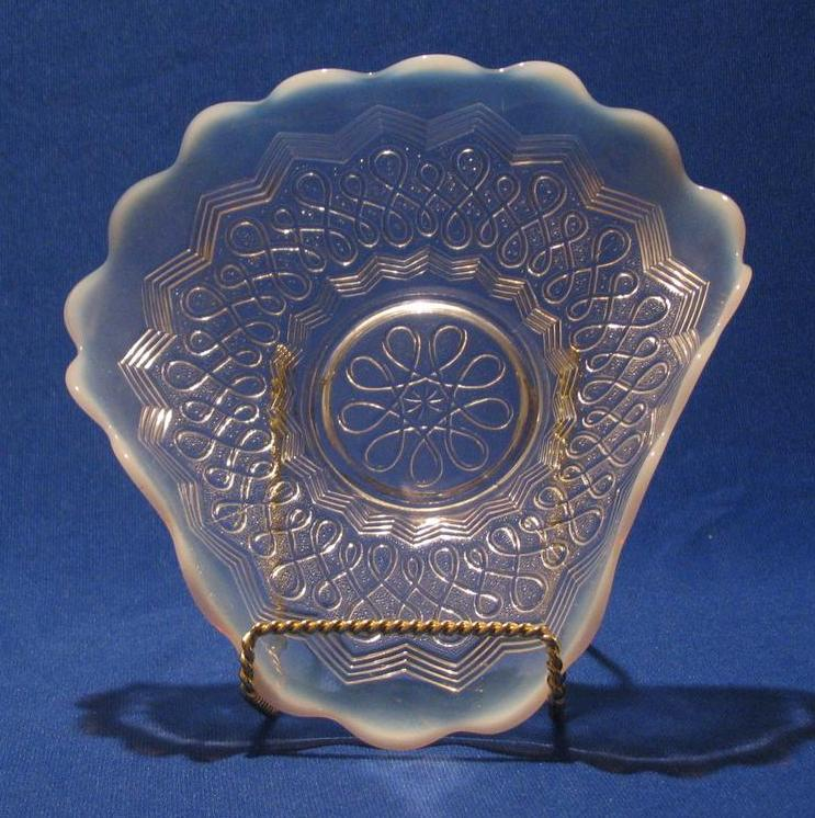 "Jefferson Glass ""Many Loops"" Bowl"