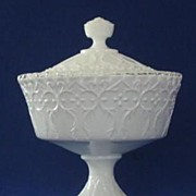 "Fenton Silver Crest ""Spanish Lace"" Covered Candy Dish"