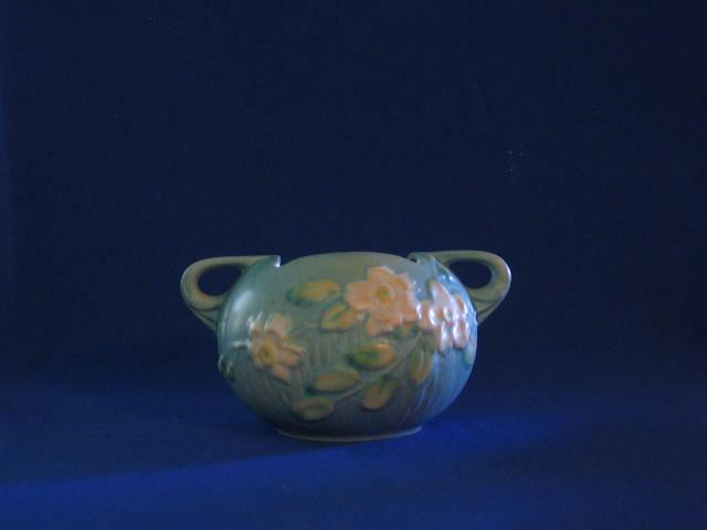 Roseville U.S.A. White Rose Squat Vase 387-4