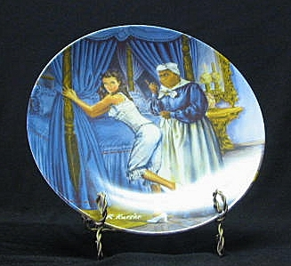"Knowles Collector Plate Titled, ""Mammy Lacing Scarlett"""