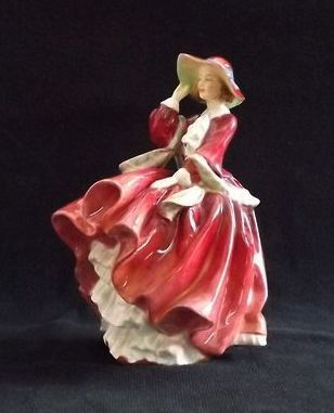 "Royal Doulton Figurine ""Top o the Hill"" HN1834"