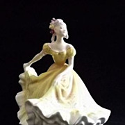 "Royal Doulton Figurine ""Ninette"" HN2379"