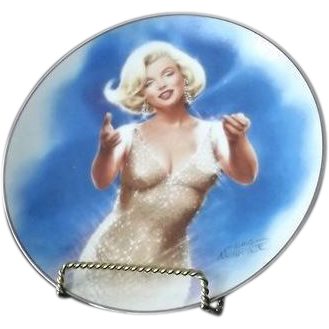 "Marilyn Monroe Collector Plate Titled ""Curtain Call"""