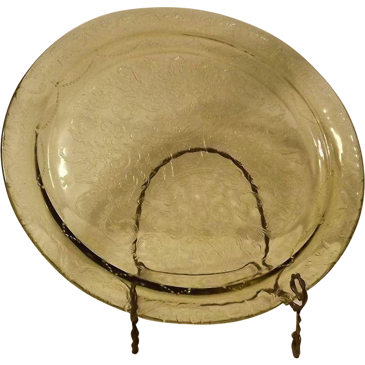 """Federal Glass Amber """"Madrid"""" Pattern Cake Plate"""