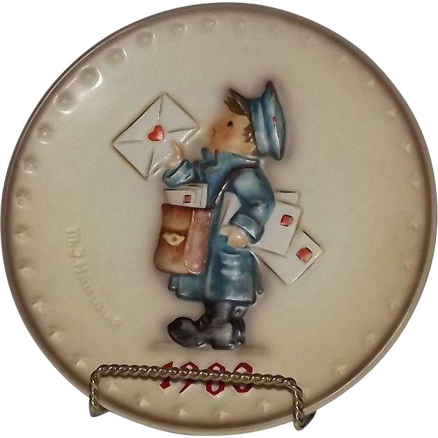 "Hummel 1983 Annual Christmas Plate Titled ""The Postman"""
