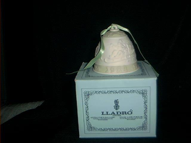 Lladro 1988 Christmas Bell
