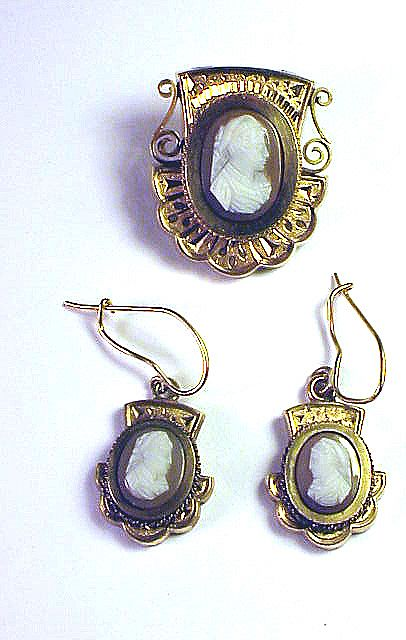 QUALITY Victorian Hardstone Cameo Demi-Parure, Earrings & Brooch, c.1875!