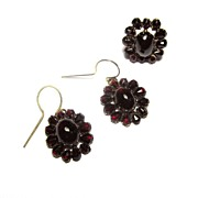 GLITTERING Bohemian Pyrope Garnet/9kt Demi-Parure, Ring and Earrings, c.1870!