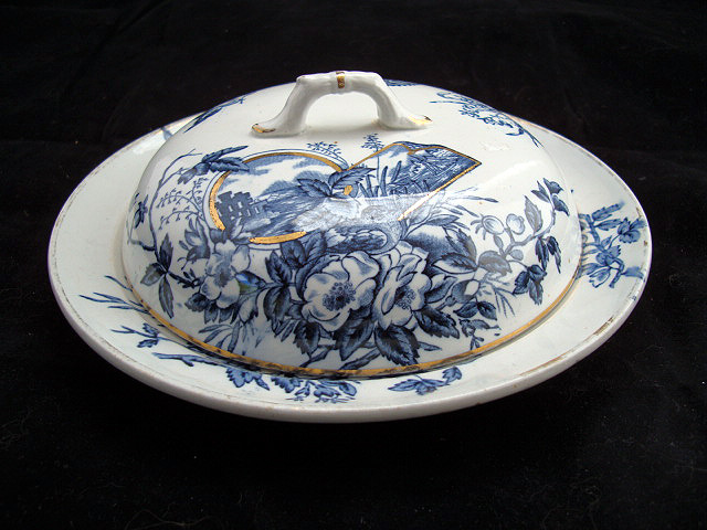Rare Covered Muffin Server ~ BLUEBIRDS 1889
