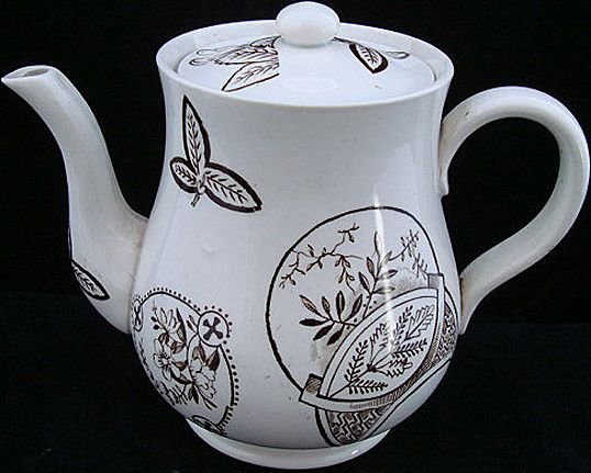 Aesthetic Brown Tea Pot ~ Fish & Fans 1885