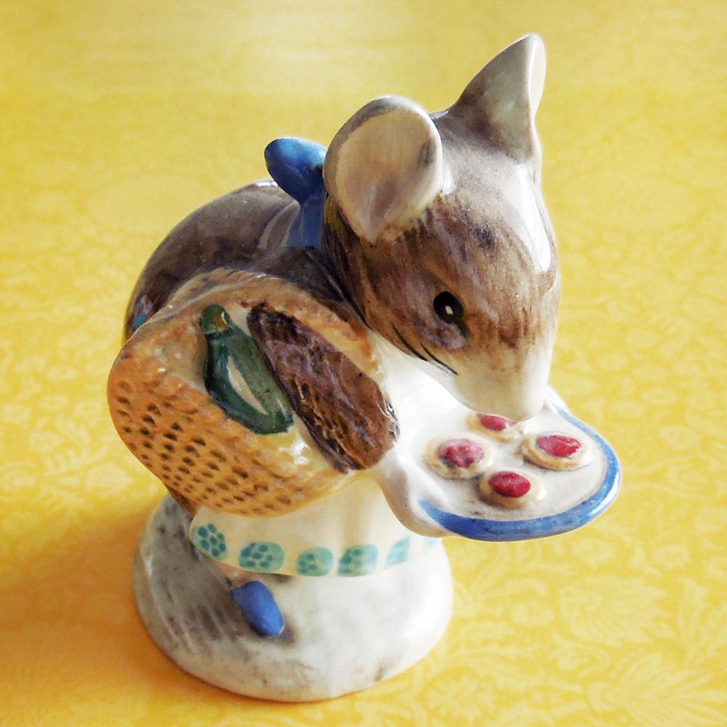 Beatrix Potter Appley Dapply Beswick England Hand-Painted Storybook Figurine