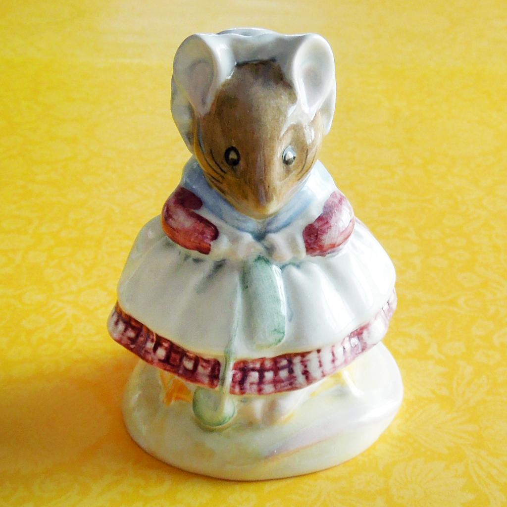 Beatrix Potter Old Woman Who Lived In A Shoe Knitting Beswick England Figurine