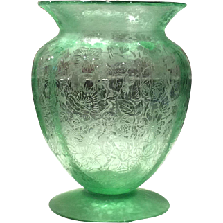 Fostoria Green Paradise Brocade #289 Footed Urn Vase