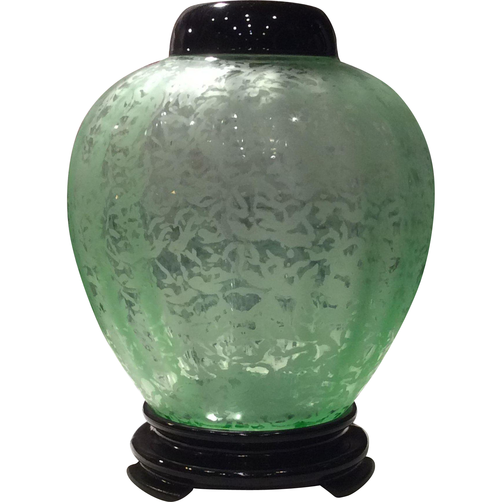 Fenton green ming pattern ginger jar with lid base a glass fenton green ming pattern ginger jar with lid base a glass act ruby lane reviewsmspy
