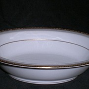Noritake Richmond oval vegetable serving bowl, classic white & gold pattern 6124