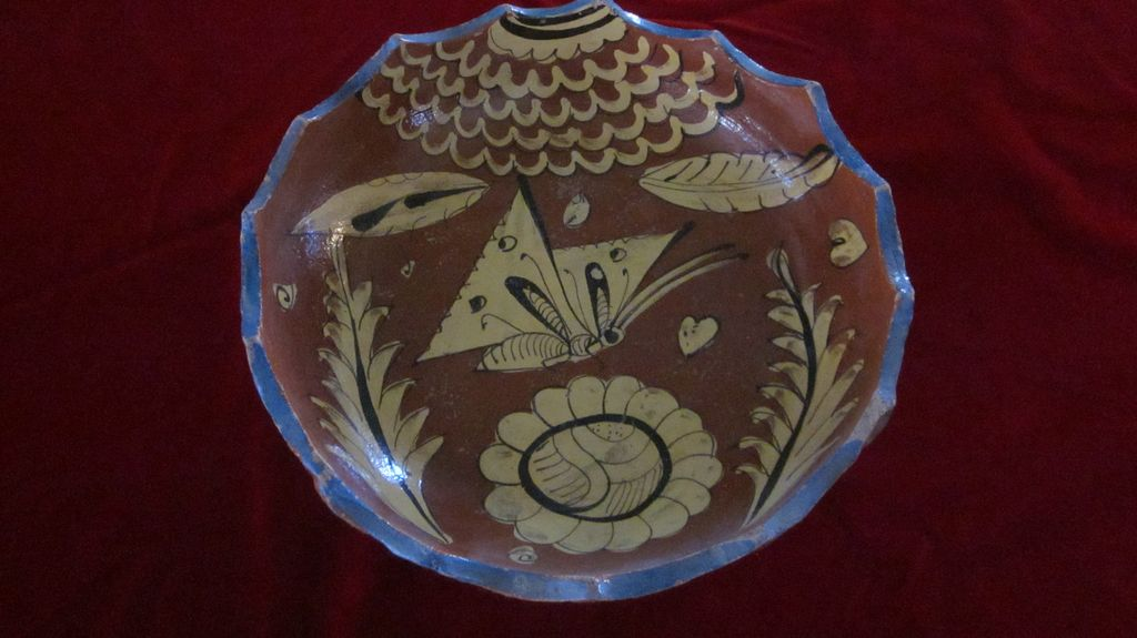 Tlaquepaque Fantasia Style Butterfly Pie Crust Bowl