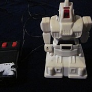 "Soma White Plastic 4"" Robot # 923, with Wired Remote. 1984"
