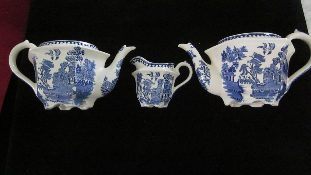 Vintage Sadler Blue Willow, Two Teapots(no tops), and Creamer