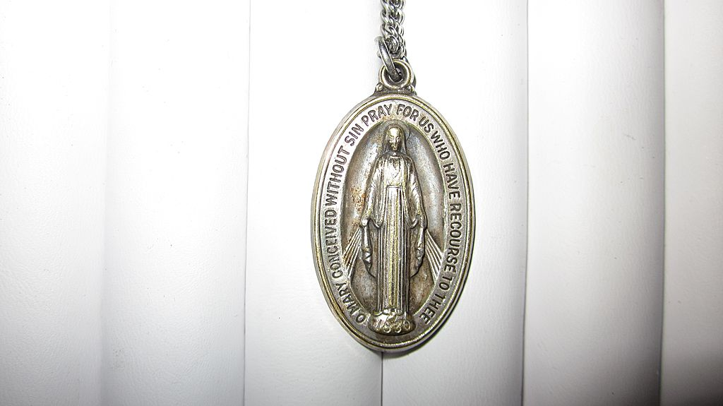 "Vintage Miraculous Mary Sterling Silver Medal with 28"" Chain"