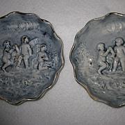 """Pair 1960's Capodimonte Cherub Decorated 6"""" Plates"""