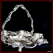 Basket in ornate silverplate and with much versatility