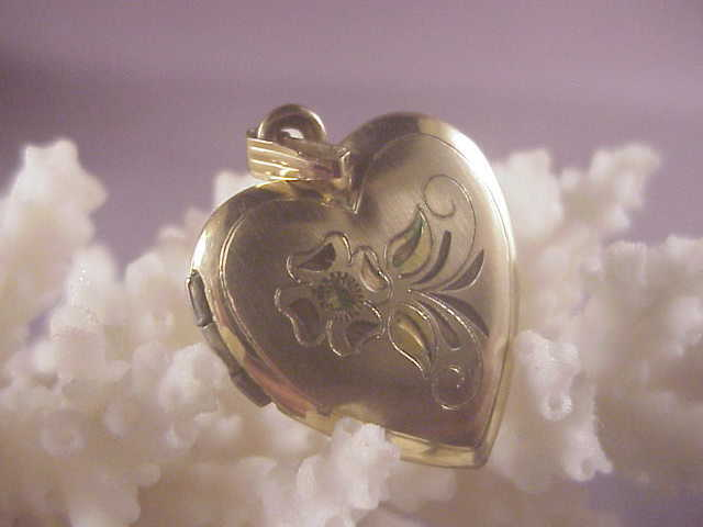 Vintage gf heart locket flowers from albie on ruby lane for Naugatuck glass company