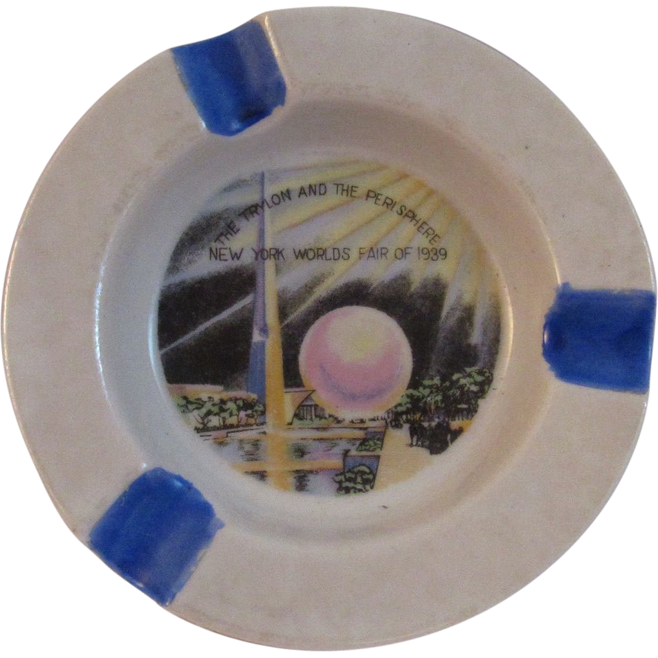 New York Worlds Fair 1939 Trylon and Perisphere Ashtray