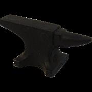 Vintage John Deer Miniature Cast Iron Blacksmith Anvil