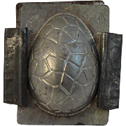 H. Walter Berlin Ohio Easter Egg Candy Mold