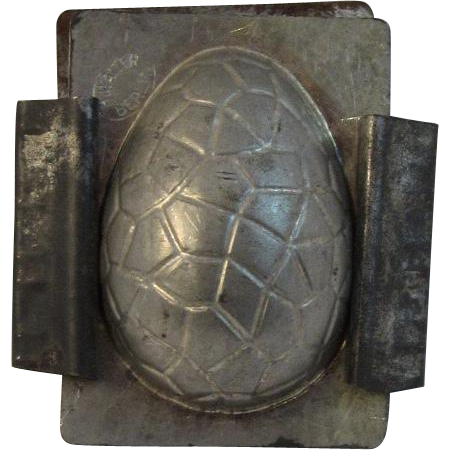 H. Walter Berlin Ohio Easter Egg Candy or Ice Cream Mold