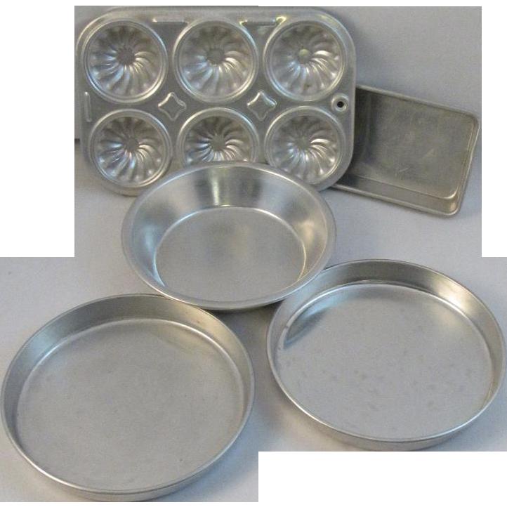 Toy Kitchenware Muffin Baking Pan Set Vintage Child Size