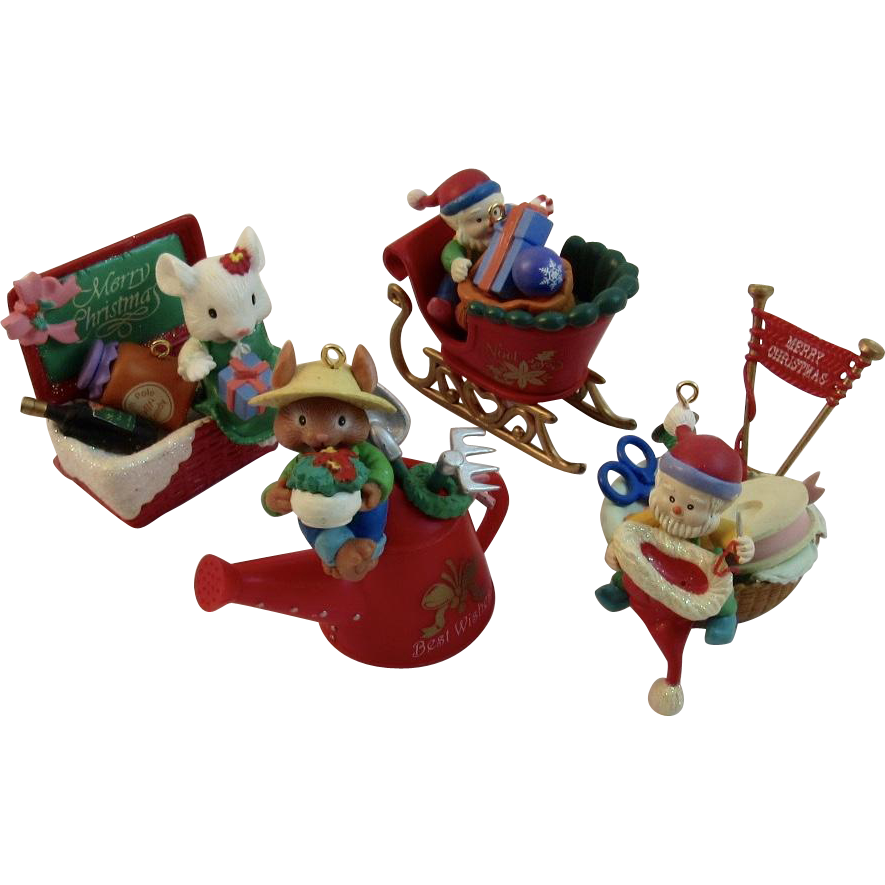 4 Lustre Fame Ltd Christmas Ornaments Mice and Elves from