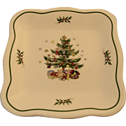 Nikko Christmastime Square Tray Scalloped Edge Christmas Tree Patter