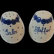 Polish Pottery Salt and Pepper Shakers Salz and Pfeffer Tableware Polka Dot Pattern