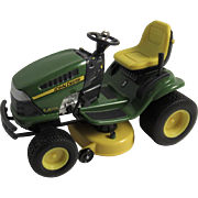 Hallmark Keepsake John Deere Lawn Tractor LA135 Limited Edition Christmas Ornament in Original Box