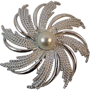 Sarah Coventry Snowflake Pinwheel Pin
