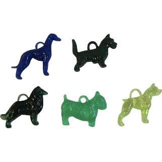 5 Dog Charms Cracker Jack Premiums or Gumball Machine Prizes Vintage Plastic Toys Scottie