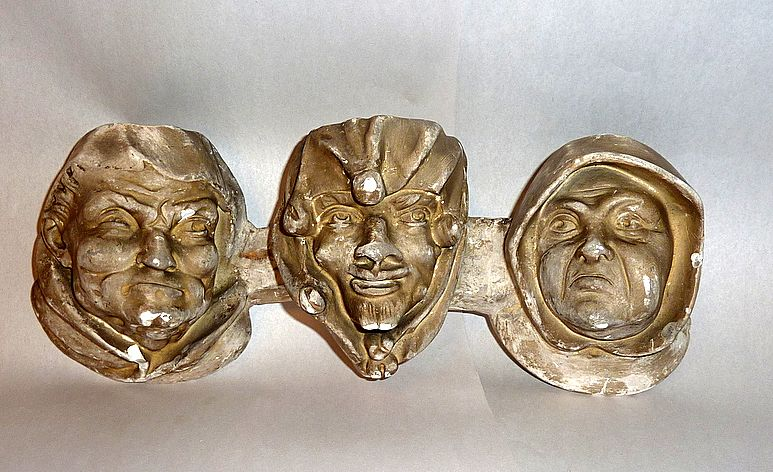 Antique 19th Century 3 Sculptured Faces Chalkware Pipe & Match Holder