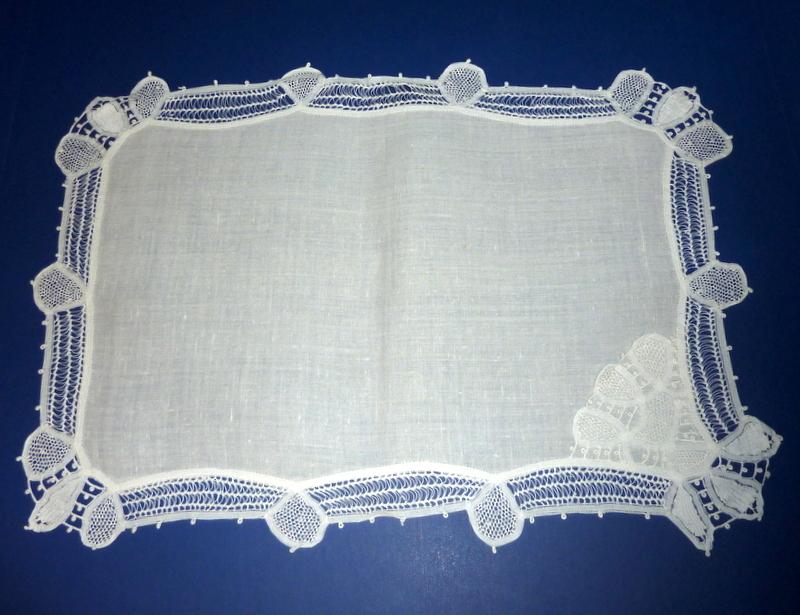 20 Vintage White Linen Placemats with Lace Trim & Corner Napkin Pocket
