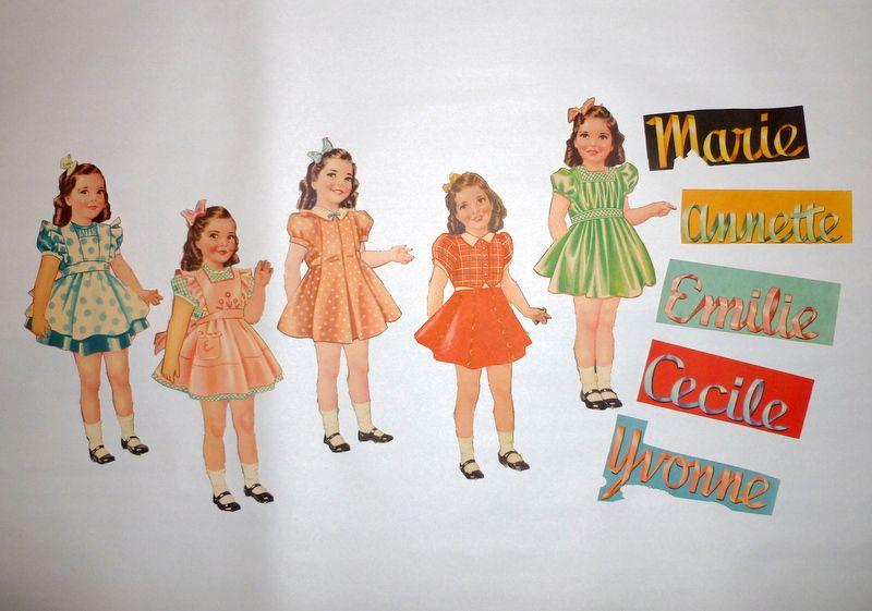 "Vintage 1930's Dionne Quintuplets 8 1/2"" Paper Dolls, Clothes & Accessories"